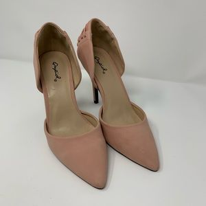 QUPID Pink Pointed Closed Toe Heels
